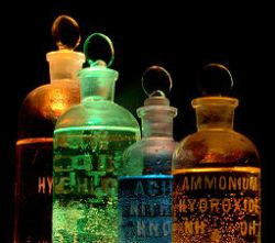 256px-Chemicals_in_flasks